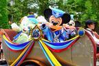 【ディズニー】ダッフィーとジェラトーニも登場!15周年コスのグリーティングドライブ