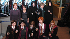 """""""和製""""ハリーたちが行列『ハリー・ポッター』世界最速プレミアに五千人超えるファン"""