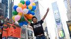 世界制覇目指す還暦ランナー・寛平、ニューヨークの街を風船で大冒険!