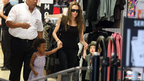 ブランジェリーナ家女子部3人、南仏のショッピングセンターでお買い物