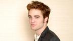 ロバート・パティンソン『ニュームーン』インタビュー 三角関係でもエドワードは余裕?