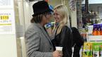 バツ2のミッキー・ローク、33歳年下モデルと婚約。3度目の正直で幸せになれるか?