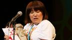 【沖縄国際映画祭】黒沢かずこ主演『クロサワ映画』2冠! 即興の歌で喜び表現