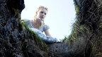 ジョニーにヘレナにアン・ハサウェイ…『アリス』キャストインタビュー付き映像が到着