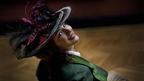 【シネマモード】お帽子ファッションに注目『アデル/ファラオと復活の秘薬』」