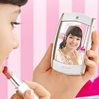 カシオ、鏡で見たままの自分を写せる自分撮り用カメラ「EX-MR1」を海外発表