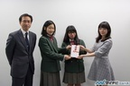佐藤聡美、チャリティの義援金で仙台の中学校へ楽器を贈呈
