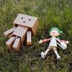 コトブキヤの「小岩井よつば」アクションフィギュアがすごいかわいい!『よつばと』ダンボーと一緒に遊び倒してみました