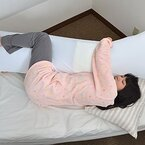 サンコー、嫁(二次元)に人肌のぬくもりを与えるあったかUSB抱き枕