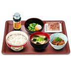 すき家、オクラと温玉を混ぜる「まぜのっけごはん朝食」を270円~で提供