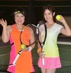 宮沢セイラ、テニス初挑戦! 経歴10年のバービーが「筋が良い」