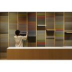 東京都・銀座の伊東屋に1,000種以上の紙をそろえる「竹尾見本帖 at Itoya」