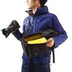 両サイドからすばやく機材を取り出せるカメラバッグ