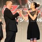 米倉涼子『アベンジャーズ』出演交渉に成功!? 監督「約束する」と指切り