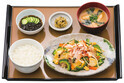 「やよい軒」、沖縄県初出店記念「ゴーヤーちゃんぷるー定食」発売