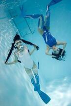 東京都・原宿で「水中ニーソ」新作の写真展 - テーマは女の子の掛け合わせ