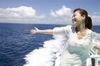 海外旅行に「ひとり」で行く女性は5人に1人 - 男性の2倍