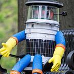 シリコンバレー101 (624) ヒッチハイクロボット「HitchBOT」、米国横断の旅の途中で暴漢に襲われる