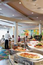 東京都八王子市の京王プラザホテルで家族向けの8月限定バイキングが開催中