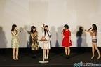 Aice5、8年ぶりにメンバー全員でファンの前に登場! 堀江由衣の誕生日祝いも