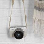 キヤノン「EOS M10」、初心者向けのお洒落ミラーレスカメラ