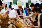 東京都・青山で、1日45店舗のパン屋が集結する「青山パン祭り」が2日間開催