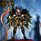 『聖闘士星矢 黄金魂』より、グングニルを持つ「邪神ロキ」など参考出品