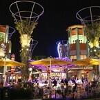 カリフォルニア ディズニーランド・リゾート60周年 (10) パーク外でもディズニー気分!「ダウンタウン・ディズニー」&直営ホテル