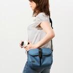 aosta、ミラーレス向けのコンパクトな肩掛けカメラバッグ