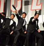 西島秀俊、『MOZU』初日で「震える想い」たけしと一緒にコマネチも披露