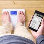 サンワ、乗るだけで体重を記録できるBluetooth内蔵体重計