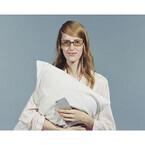 JINS PCがリニューアル - 寝る前のスマホ閲覧に適した安眠対策メガネも発売