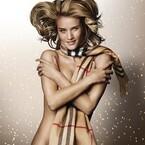 ロージー・ハンティントン=ホワイトリー、バーバリーXmas広告でヌード披露