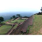 「ジャングルの中でラピュタを見たんだ」天空の城はスリランカにもあった!
