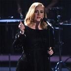 アデル、グラミー賞のステージで音声トラブル - SNS上に苦情殺到