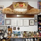 巨大なネコバスにトトロ! ジブリ愛あふれるジョン・ラセターの部屋を見学