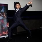 鈴木亮平、台湾で『変態仮面』続編をアピール「アジアを代表するHEROに!」