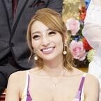 加藤紗里、豊胸疑惑払しょくのため高須院長に触診を要求「触って!」