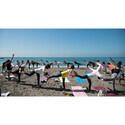 葉山でビーチヨガの祭典を開催 ‐ オーガニックランチ付きレッスンも