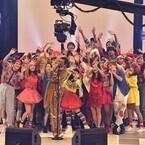 ピコ太郎、50人のダンサーと「PPAP」披露 - 『ベストヒット歌謡祭』に登場
