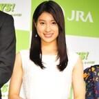 土屋太鳳、初共演の松坂桃李は「競馬場の雰囲気にすごく合う」