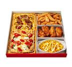 フィールドに見立てた四角いピザ! サッカー観戦にぴったりなセット発売