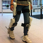 NEDO、ドイツで装着型ロボット「HAL」の医療現場での実証実験を開始