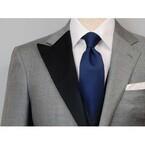 結婚式の後、拝絹と側章を外しスーツとしても使えるタキシードを販売開始!