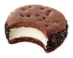 機内食の味を地上で - ミスタードーナツのクッキーアイス「ボストン1955」