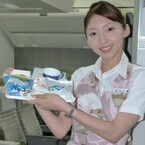 JAL、機内食「AIR MOS ライスバーガー」発表 - 30%増量の機内限定版