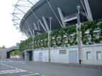 味の素スタジアムに壁面緑化システムが採用 - 竹中工務店