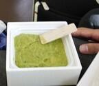 地元の面白いお土産 (6) 枝豆の緑色とやさしい香り。宮城県仙台市の「ずんだ餅」