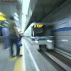 読む鉄道、観る鉄道 (18) 『交渉人 真下正義』 - 東京の地下鉄で爆弾を積んだ「クモ」走り回る!