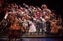 東京都・丸の内にて劇団四季「オペラ座の怪人」をモチーフにしたクリスマスツリーが登場!